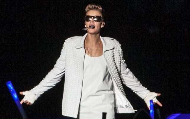 Justin Bieber Detained in Australia for Insulting Custom Officer