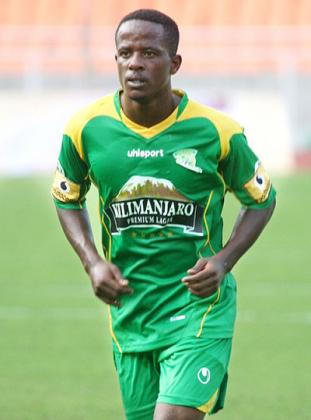 Yanga's Haruna out of Dar derby with knee injury