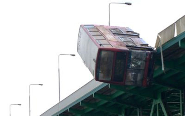 London double decker bus drives off bridge into Polish river… but was just a Bollywood stunt