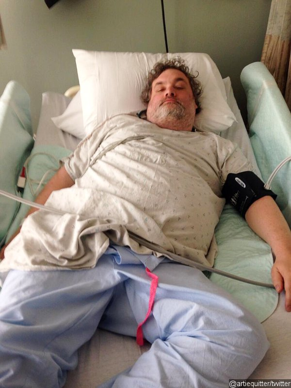 Comedian Artie Lange Shares Photo From Hospital Bed After Suffering From Diabetic Shock